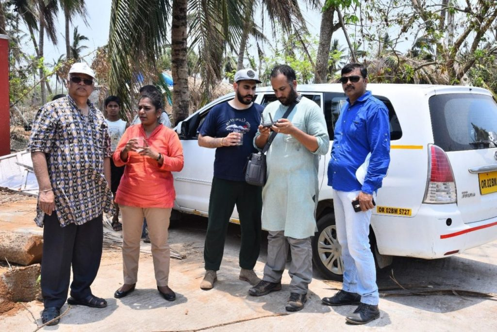 India Flying Labs - Team By Car
