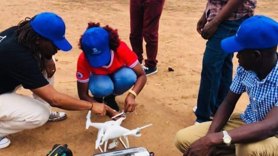 participants assembling and disassembling the drone