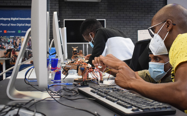 """South Africa Flying Labs hosts an """"Introduction to Robotics"""" workshop."""